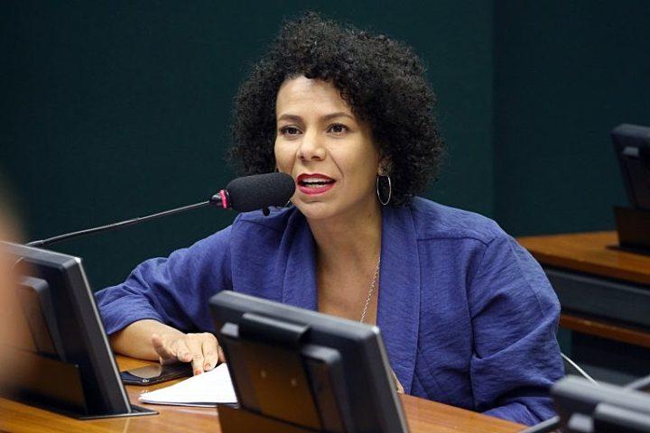 Áurea Carolina é a nova vice-líder da bancada do PSOL na Câmara
