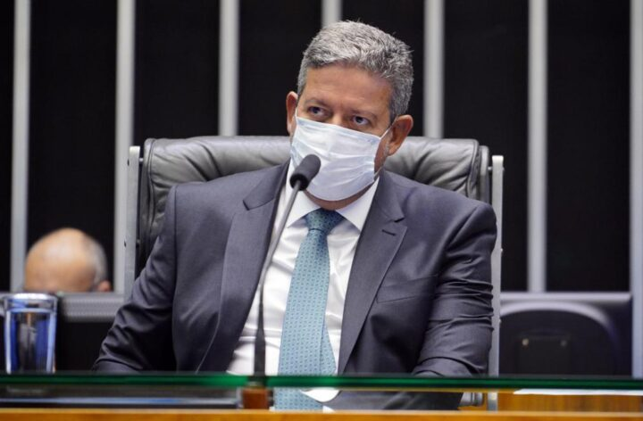 Pacote de retrocessos: Câmara destrói licenciamento ambiental e diminui atuação da Oposição na Casa