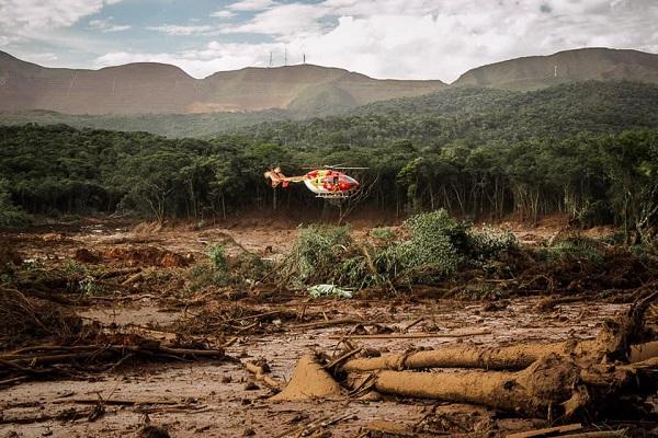 Áurea apresenta PL com parlamentares de MG para proteger populações atingidas pela mineração